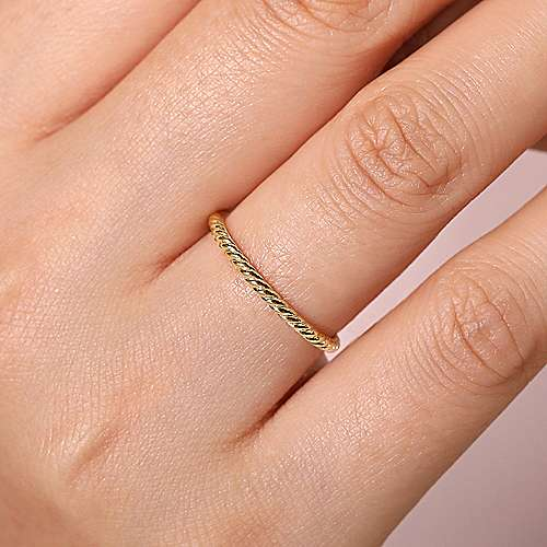 yellow gold twisted rope stackable ring